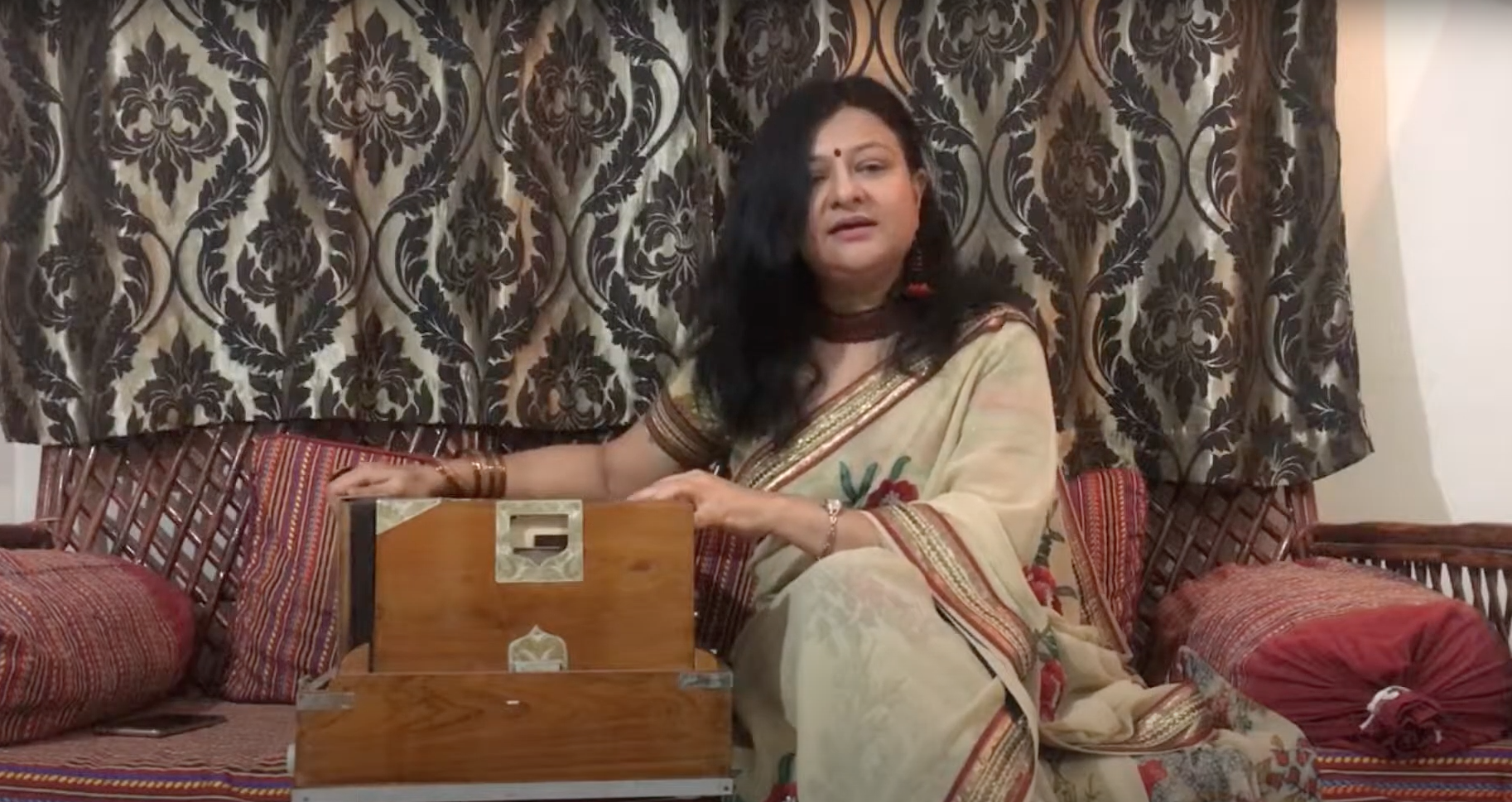 Learn Vocals with Harmonium or Keyboard - Light and Classical Music by Sonal Shah